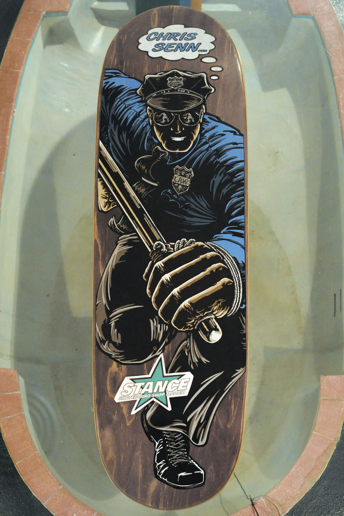 http://www.skateboard-stance.com/media/catalog/product/p/o/powell_peralta_nos_deck_chris_senn_police-grey-dsc_0551-stance_skateboard_shop.jpg